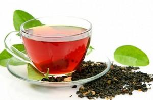 чёрный чай в чашке