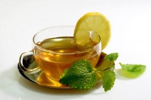 зелёный чай с лимоном и мятой