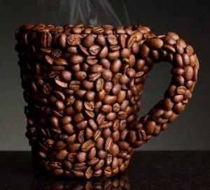 кружка в кофейных зёрнах