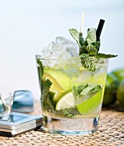 мохито в стакане