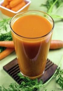 овощной сок в стакане
