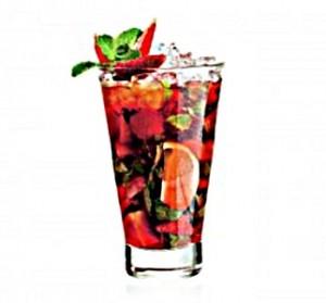 коктейль с фруктами в стакане