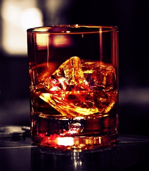 виски со льдом фото