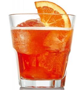 цитрусовый сок в стакане