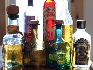 текила в бутылках