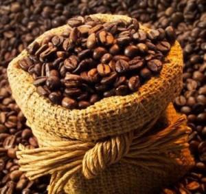 кофейные зёрна в мешочке