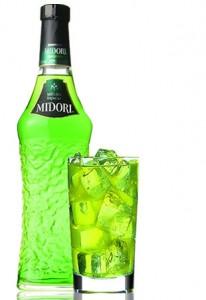 """""""Мидори"""" в бутылке и бокале"""