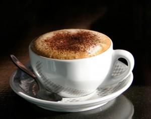 кофе мокачино в чашке