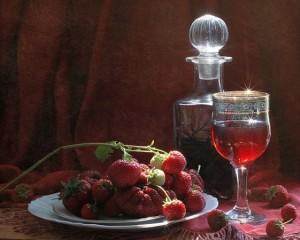 вино и ягоды клубники