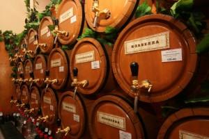 вино в бочках на розлив