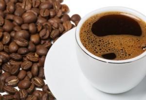 кофе в зёрнах и в чашке
