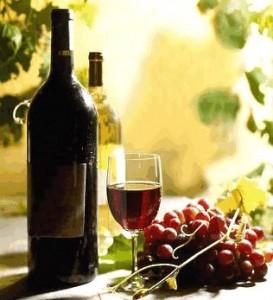 виноград, вино в бутылке и бокале