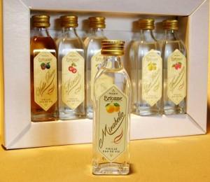 шнапс в бутылках